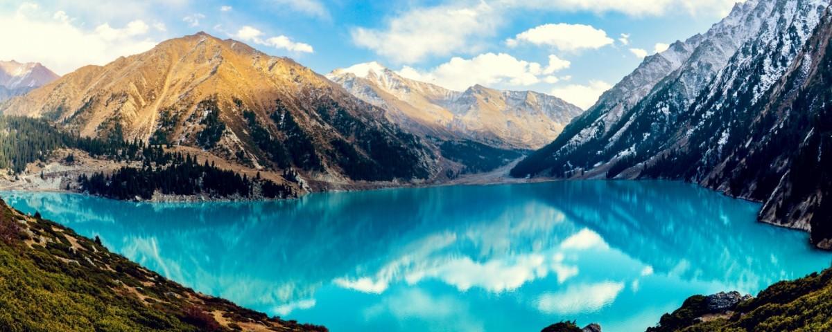 turquoise_lake-wallpaper-1366x768