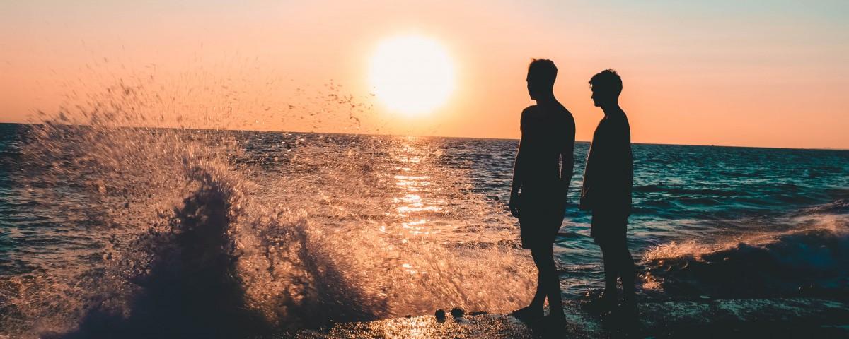 backlit-beach-blue-waters-827152